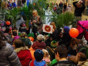 Charity event Save the Tiger at St Pancras - reading stories to tots